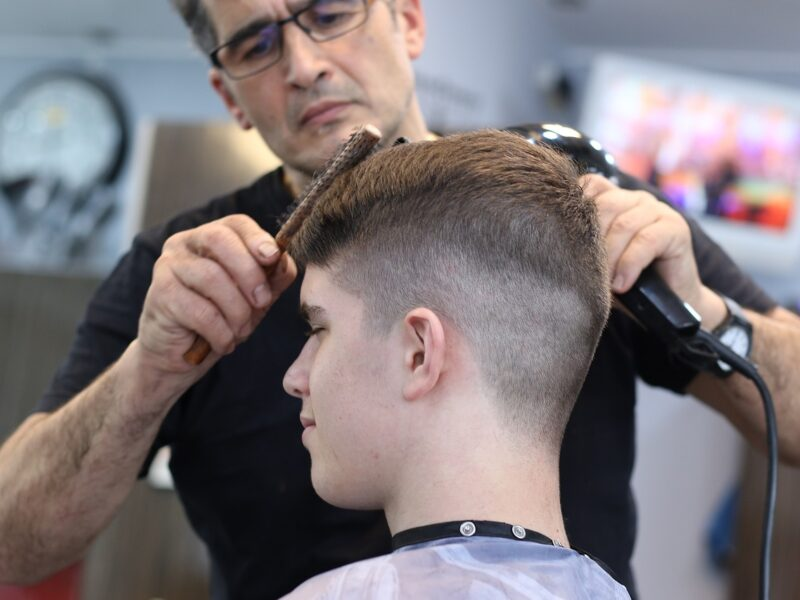Bullsnips Mens Haircutters & Barber Cairns